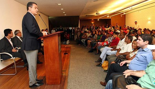 Rui Costa falou para assentados e representantes de associações de produtores na cerimônia - Foto: Amanda Oliveira l GovBA