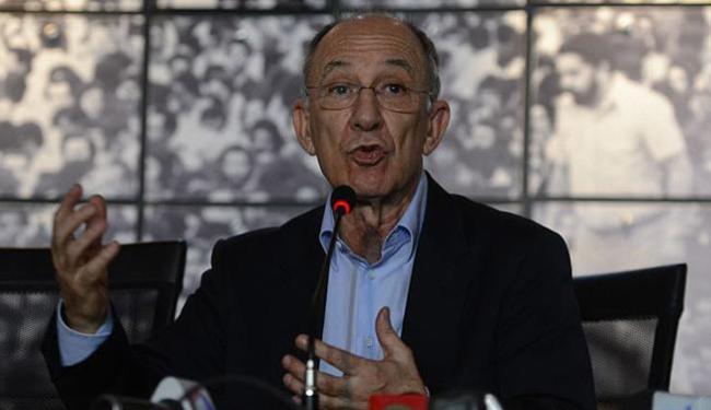 Segundo Rui Falcão, o PT espera que o processo de impeachment seja resolvido rapidamente - Foto: José Cruz l Agência Brasil