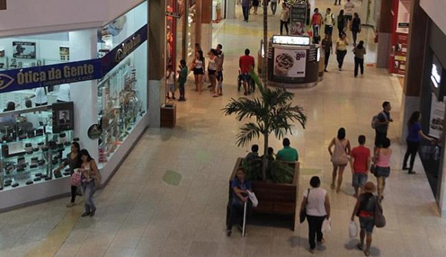 A maioria dos shoppings não funciona nos dias 25 de dezembro e 1º de janeiro - Foto: Lúcio Távora l Ag. A TARDE