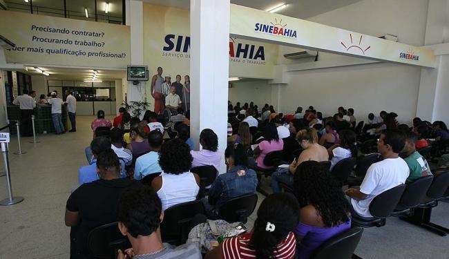 Os interessados deverão se dirigir à unidade central do SineBahia,ou aos postos do SAC - Foto: Erik Salles | Ag. A TARDE | 10.05.2011