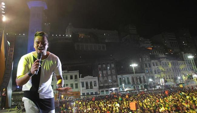Sorriso Maroto abriu o terceiro dia de festa na Praça Cayru - Foto: Lúcio Távora | Ag. A TARDE