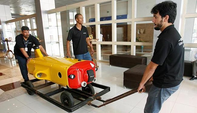 Protótipo do veículo autônomo de inspeção submarina foi apresentado nesta sexta-feira, 4 - Foto: Mila Cordeiro l Ag. A TARDE