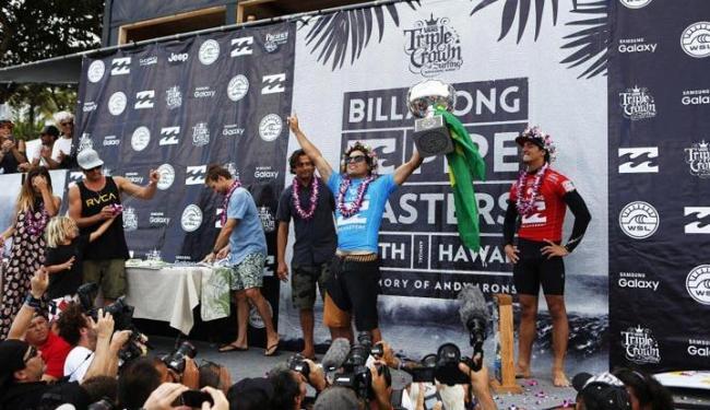 Ele é o segundo brasileiro campeão mundial no surfe - Foto: WSL | Kirstin Scholtz