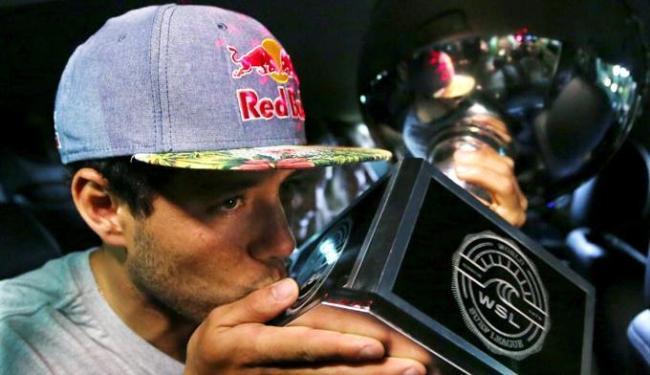 O campeão do mundo atendeu a imprensa na sede de um de seus patrocinadores - Foto: Paulo Whitaker | Agência Reuters