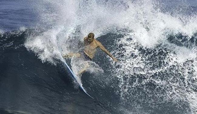 Em julho, ele foi atacado por um tubarão na final contra Julian Wilson - Foto: Divulgação