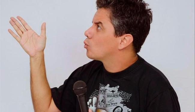 O humorista Guga Walla é uma das atrações do show - Foto: Reprodução | Facebook