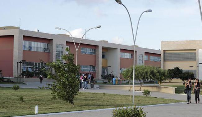 Os alunos que prestaram o último Enem, em outubro, poderão concorrer às vagas - Foto: Divulgação   Ufba