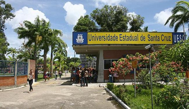 Estudantes devem residir no município onde estudam ou próximo para obter ajuda financeira - Foto: Joá Souza l Ag. A TARDE l 10.01.2011