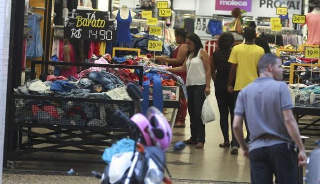 O comércio funciona normalmente na terça-feira, 8 - Foto: Joá Souza | Ag. A TARDE