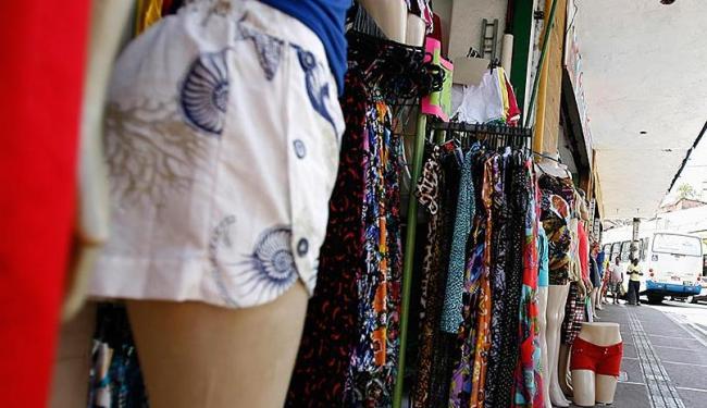 Setor de vestuário foi um dos destaques entre os pequenos negócios - Foto: Joá Souza | Ag. A TARDE | 08.12.2015