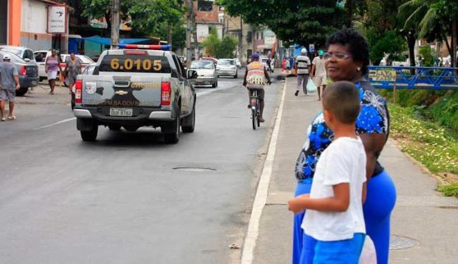 No início da manhã, os moradores da região tinham que se deslocar para pegar os coletivos - Foto: Edílson Lima | Ag. A TARDE