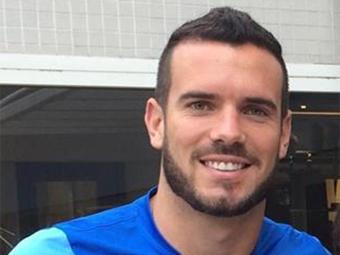 Jogador de 30 anos postou foto no Facebook com a camisa do Bahia - Foto: Reprodução l Facebook