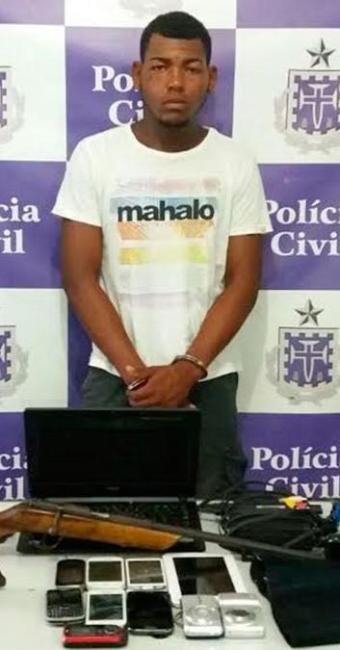 Foram apreendidos notebook, videogame, máquina fotográfica digital e tablet - Foto: Divulgação | Polícia Civil