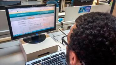 Os estudantes relatam problemas para acessar o sistema nas redes sociais - Foto: Paula Pitta | Ag. A TARDE