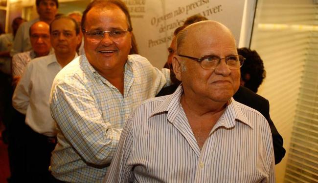 Afrísio Vieira Lima foi deputado federal por dois mandatos. Na foto, ele aparece ao lado de Geddel - Foto: Lúcio Távora | Ag A TARDE | 22.10.2008