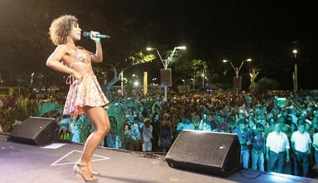 A cantora Ana Mametto foi uma das atrações musicais da festa de inauguração - Foto: Joá Souza | Ag. A TARDE