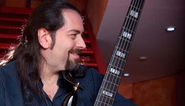 Andria Busic é baixista e vocalista do Dr. Sin - Foto: Divulgação