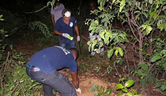 Populares e conselheiros tutelares acharam corpo do garoto que estava desaparecido desde o dia 1º - Foto: Blogbraga l Ivan Gahlen
