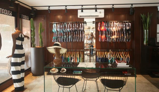 A loja de moda praia foi aberta há três meses - Foto: Xando Pereira | Ag. A TARDE