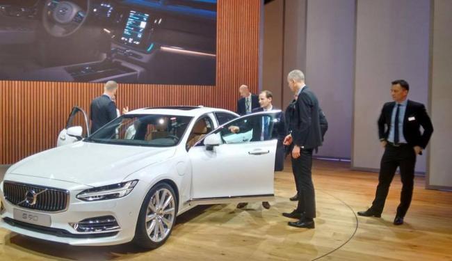 Volvo apresenta o semiautônomo sedã S90 - Foto: Roberto Nunes | Ag. A TARDE