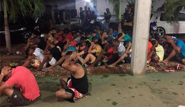 A PM encontrou drogas, revólver e celulares com os presos - Foto: Divulgação   PM