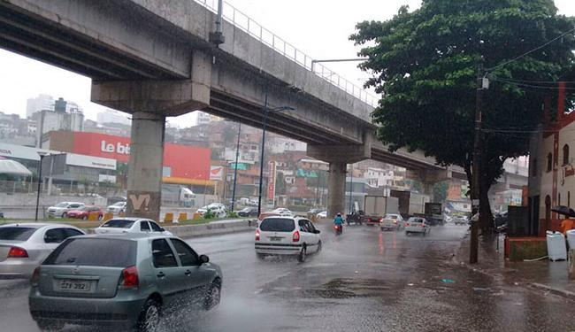 Acidente aconteceu na Avenida Bonocô - Foto: Edilson Lima | Ag. A TARDE