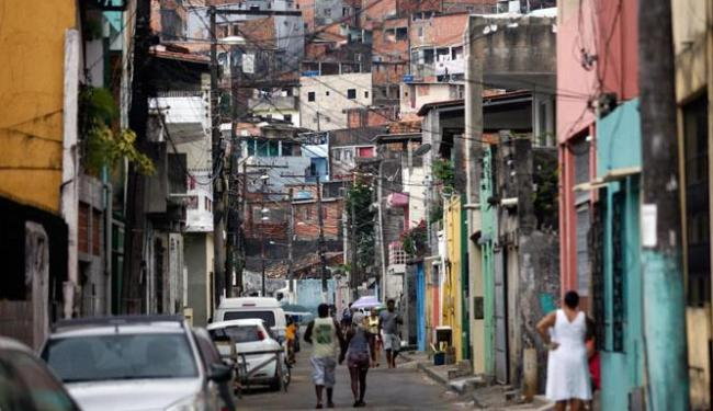 A criança foi baleada na rua Estevão de Assis, no bairro de Cidade Nova - Foto: Luiz Tito | Ag. A TARDE