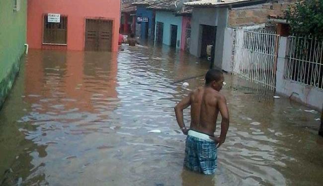 Ruas estão alagadas na cidade - Foto: Cidadão Repórter | Whatsapp