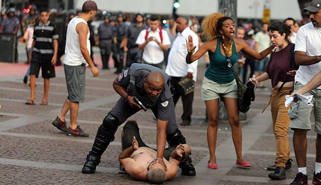 Tumulto deixou manifestantes e PM feridos - Foto: Nilton Fukuda l Estadão Conteúdo