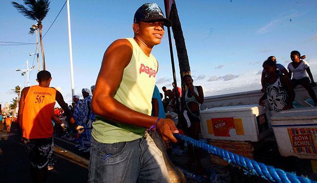 Cordeiro trabalhando em circuito na Barra - Foto: Walter de Carvalho | Ag. A TARDE | 15/02/2010
