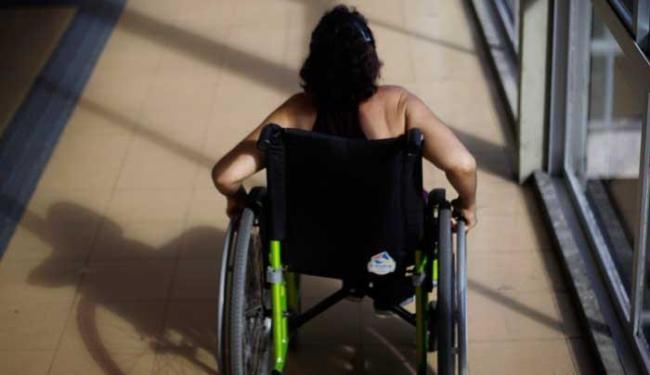 Hoje no Brasil existem 45 milhões de pessoas com algum tipo de deficiência - Foto: Raul Spinassé / Ag A Tarde