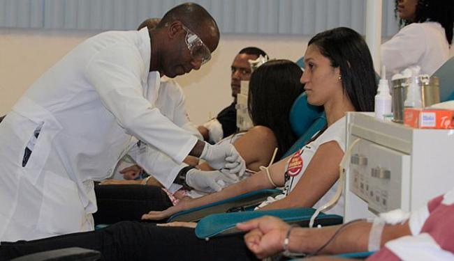 Gesto do grupo marcou a passagem do Dia Nacional de Doação de Sangue, nesta quinta-feira, 28 - Foto: Edilson Lima l Ag. A TARDE