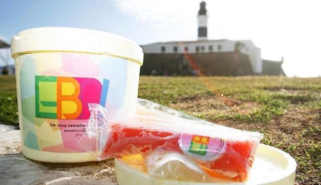 Com opções de geladinho de frutas ou alcoólicos, Êba estreia com seu primeiro verão na cidade - Foto: Mila Cordeiro   Ag. A TARDE