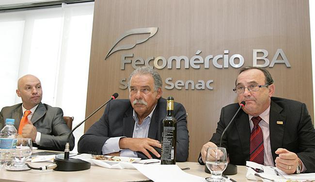 Fábio Pina, Carlos Thadeu e Carlos Andrade falaram sobre a crise econômica - Foto: Joá Souza l Ag. A TARDE