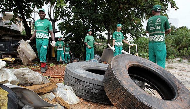 Operação especial vai continuar no Carnaval para acabar com focos do mosquito - Foto: Raul Spinassé l Ag. A TARDE l 24.07.2015