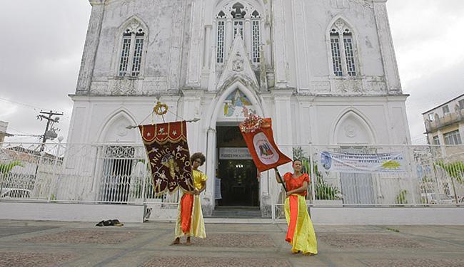 Tradição dos ternos de reis é mantida viva no bairro da Lapinha - Foto: Mila Cordeiro l Ag. A TARDE