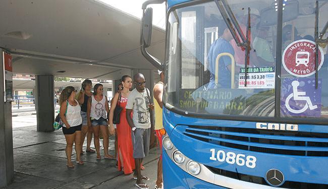 Serão disponibilizados ônibus extras neste sábado, 16, e na segunda-feira, 18 - Foto: Luciano da Matta   Ag. A TARDE