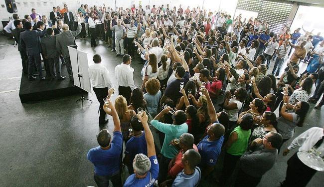 Funcionários brindaram o anúncio na tarde desta terça-feira, 26 - Foto: Raul Spinassé | Ag. A TARDE