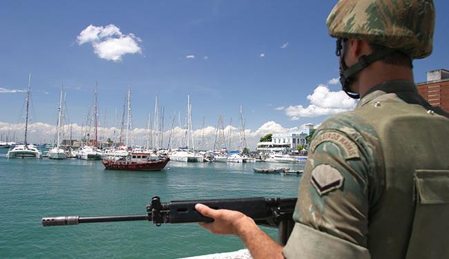 O concurso é para o Curso de Formação de Soldado Fuzileiro Naval - Foto: Edson Ruiz   Ag. A TARDE   26/12/2005