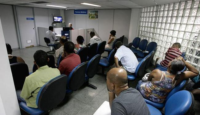Sala de perícia médica no posto do Comércio estava esvaziada terça-feira passada - Foto: Raul Spinassé l Ag. A TARDE