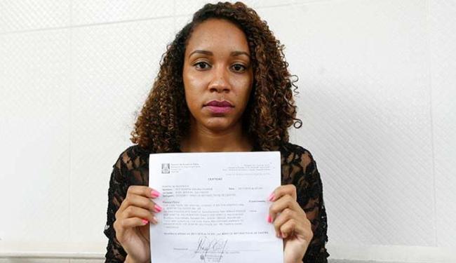 Juliana prefere não revelar o nome da agressora para que ela não sofra retaliações - Foto: Mila Cordeiro | Ag. A TARDE