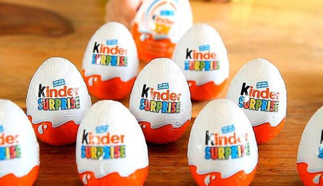 Menina de 3 anos morre asfixiada com brinquedo de ovo Kinder