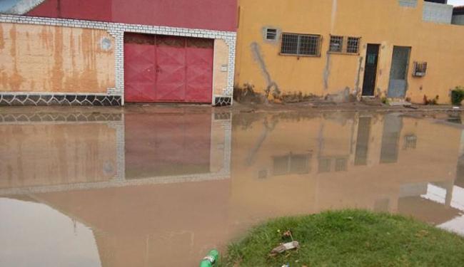 No Conjunto Parque Santa Rita, em Itinga, as casas foram invadidas pela água - Foto: Cidadão repórter l via whatssap