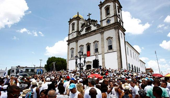 O ponto máximo da lavagem ocorre na famosa e mística Igreja do Bonfim - Foto: Fernando Vivas | Ag. A TARDE