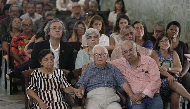 O historiador e escritor completa 90 anos hoje - Foto: Raul Spinassé / Ag. A TARDE