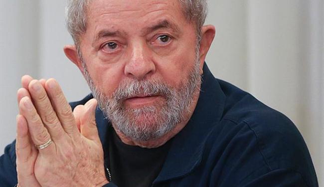 Lula e a mulher foram intimados para depor sobre triplex - Foto: AP Photo l Andre Penner