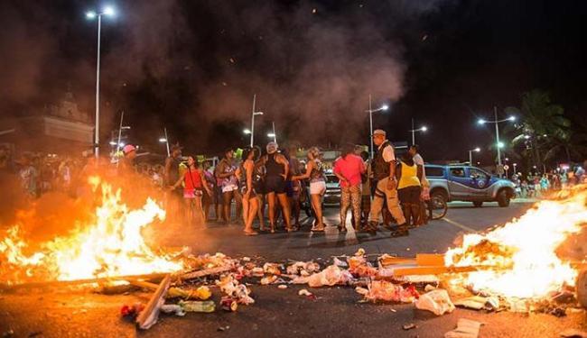 Polícia foi chamada e conseguiu terminar com a manifestação - Foto: Ricardo Prado | Ag. A TARDE