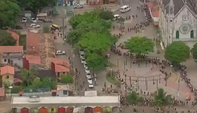 Embarque nas lanchas em Mar Grande, em Vera Cruz, está intenso nesta manhã - Foto: Reprodução   TV Bahia