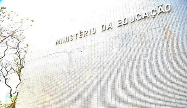 Cortes em programas, pagamentos atrasados e trocas de ministros marcaram o ano da pasta - Foto: Elza Fiúza | Abr