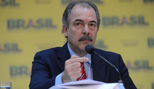 Mercadante disse que o MEC espera manter o patamar de novas vagas do ano passado - Foto: Fabio Rodrigues Pozzebom l Ag. Brasil l 05.12.2013